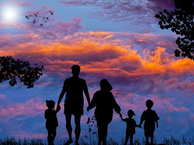 family 1517192 640