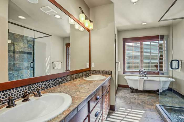 Traditional vs Modern Bathroom - Which One is the Right Solution for You?